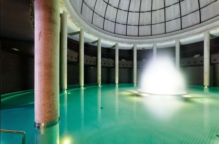 Piscina de la cúpula Aquaxana