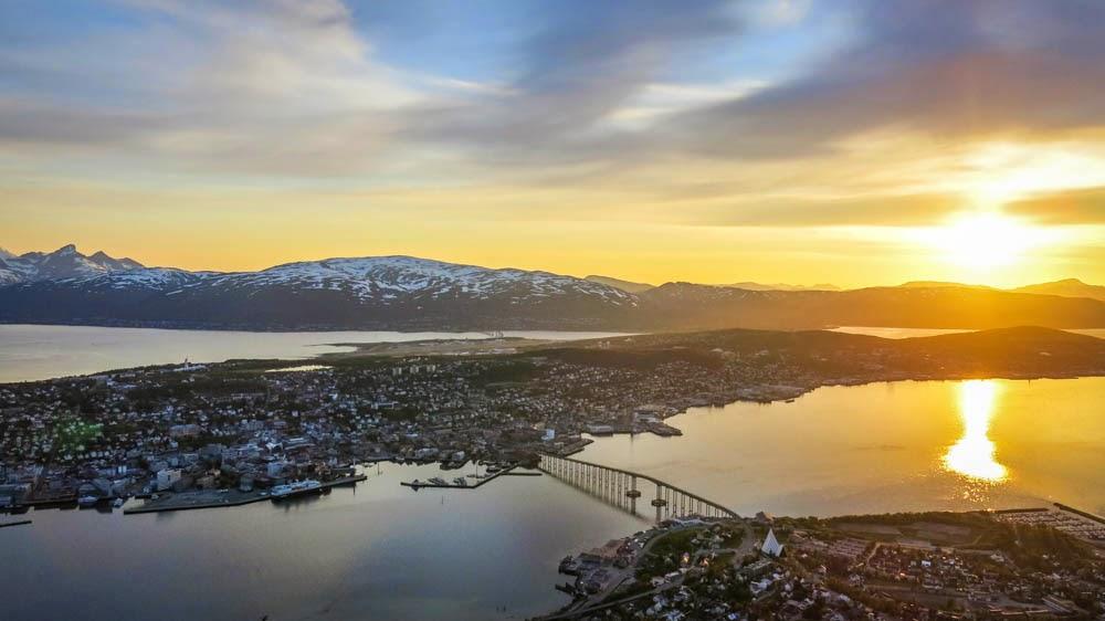 Planes para disfrutar de laponia noruega paralelo 20 for Oficina de turismo de noruega