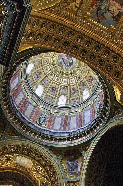 Futbolistas míticos enterrados en la Basílica de San Esteban de Budapest