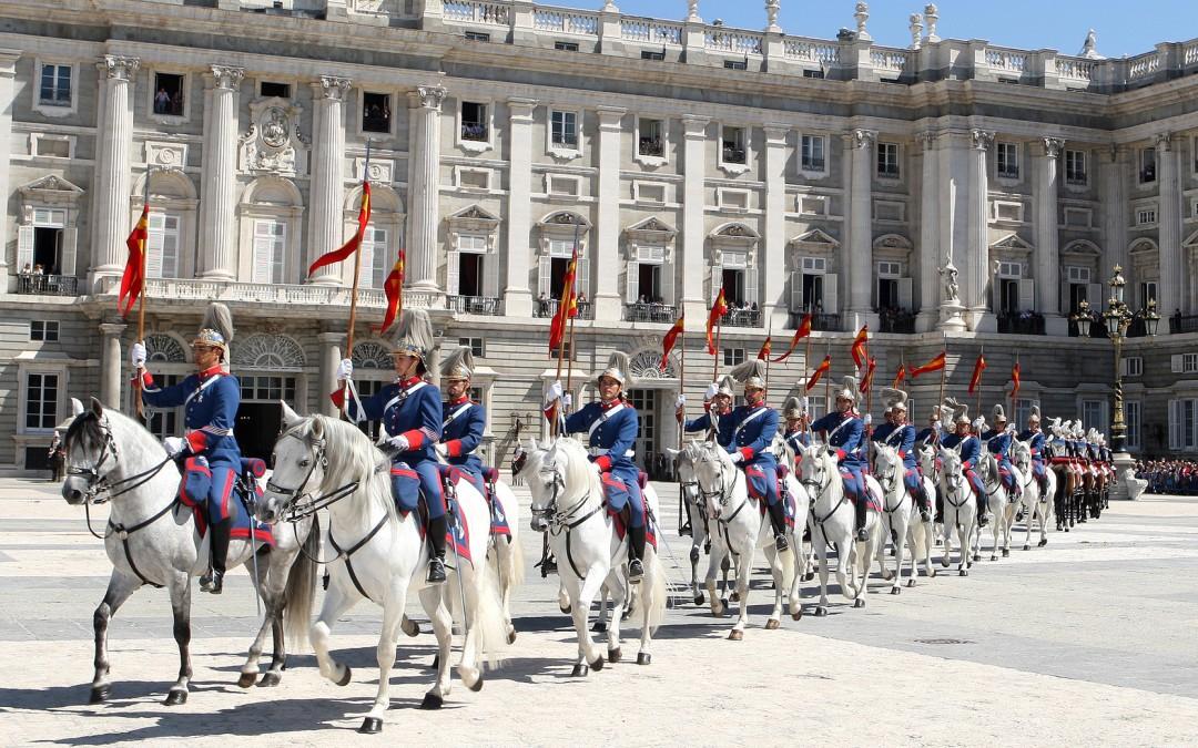 Paralelo20 en el Relevo Solemne de la Guardia Real