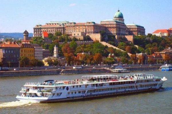 Crucero fluvial por el Danubio, plan navideño en Politours