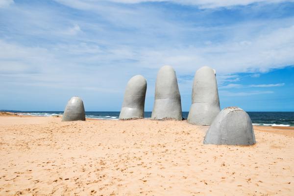 Mano de Punta del Este, Uruguay.