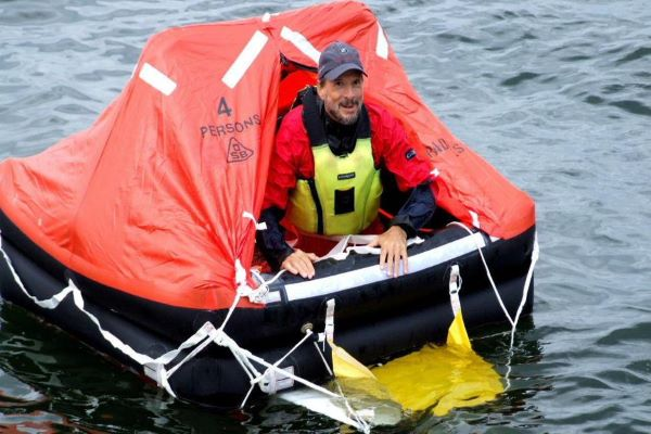 Steven Callahan, en su barco