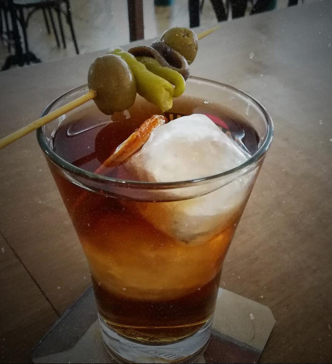 Cóctel en Café Madrid Bar