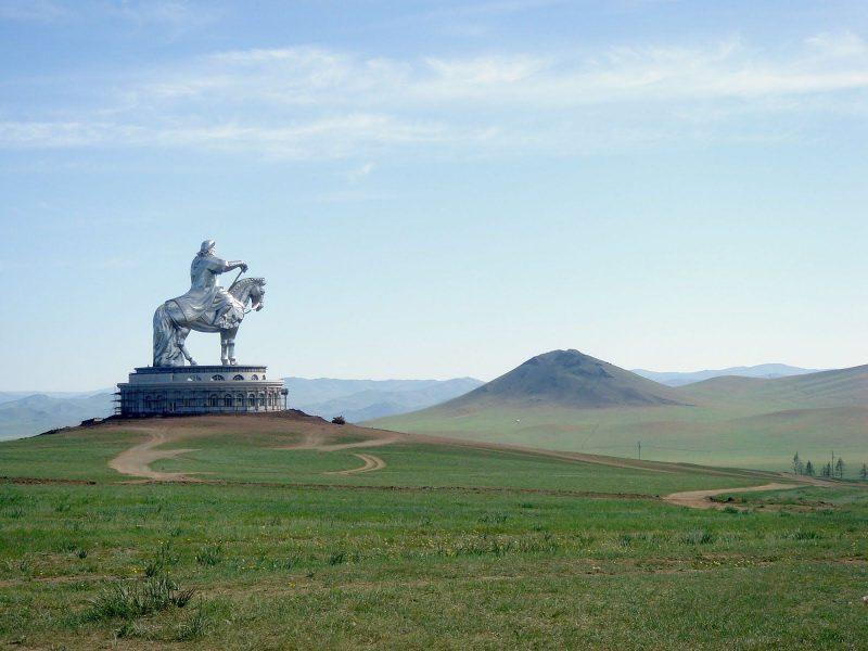 Nuevo presidente de la CEHAT y de viaje por Mongolia