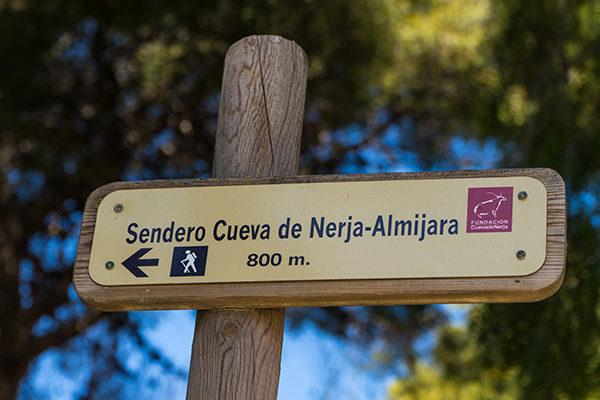 Señal del Sendero Cueva de Nerja - Almijara