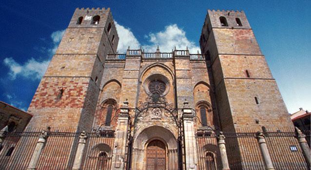 La Catedral de Sigüenza, en la Plaza Mayor del pueblo castellano manchego.