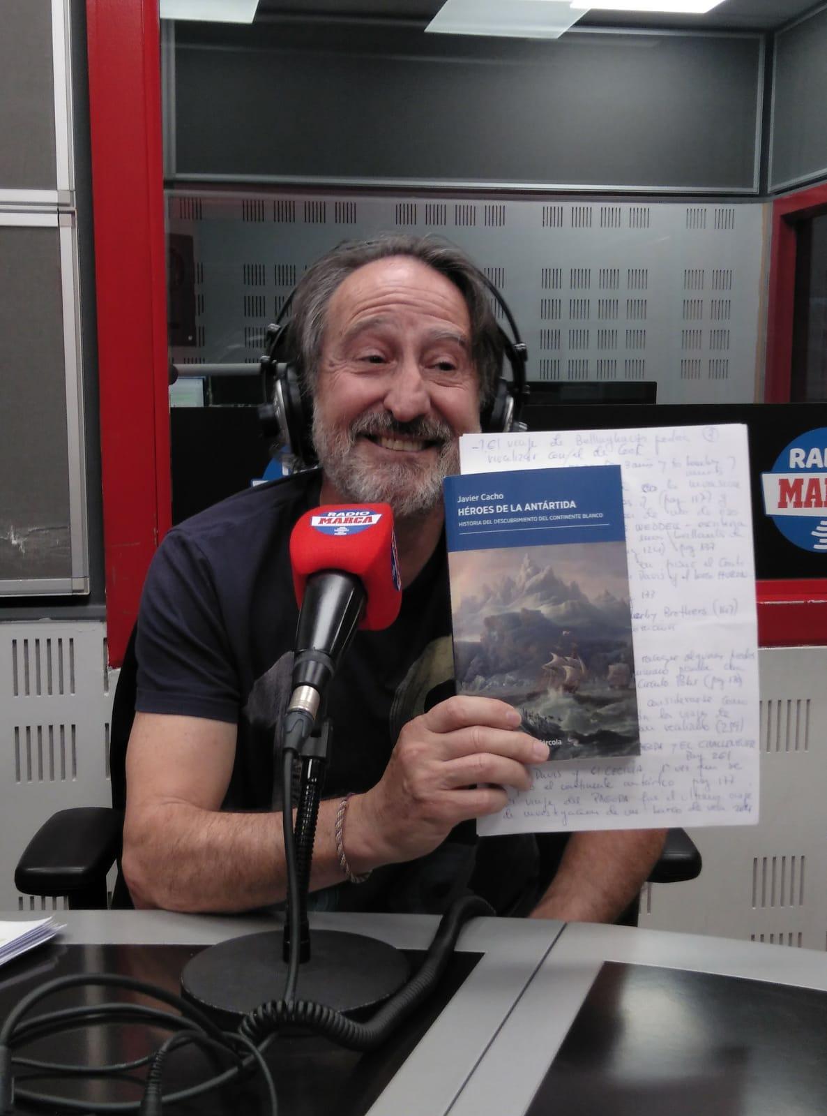 Santos Valenciano, en el estudio de Radio MARCA